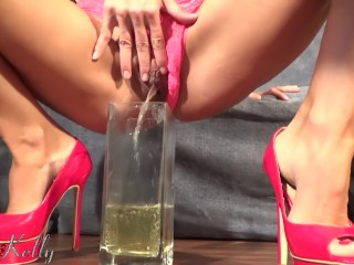Pee desperation it is one of my fetishes. Amateur piss. WetKelly