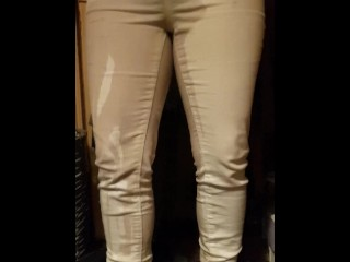 Girlfriend wets her white Jean's. Cant be bothered to go to the toilet ;)
