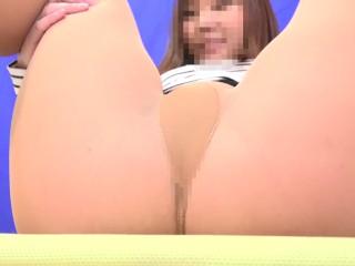 Watching Pantyhose Peeing