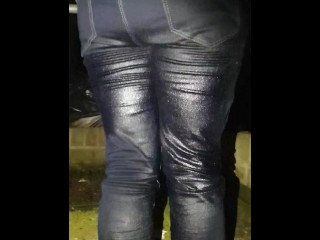 Sexy gf pissing her Jean's for the 4th time today. Such a naughty girl! ;)