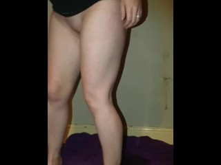 Gf desperately pees naked with legs together, let's it trickle down legs ;)