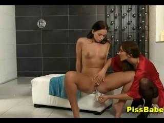 Peeing Porn