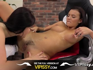 Piss Drinking - Eurobabes lap up pee during pussy play